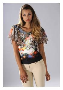 TEE-SHIRT Lasagrada été 2014 : 129 €